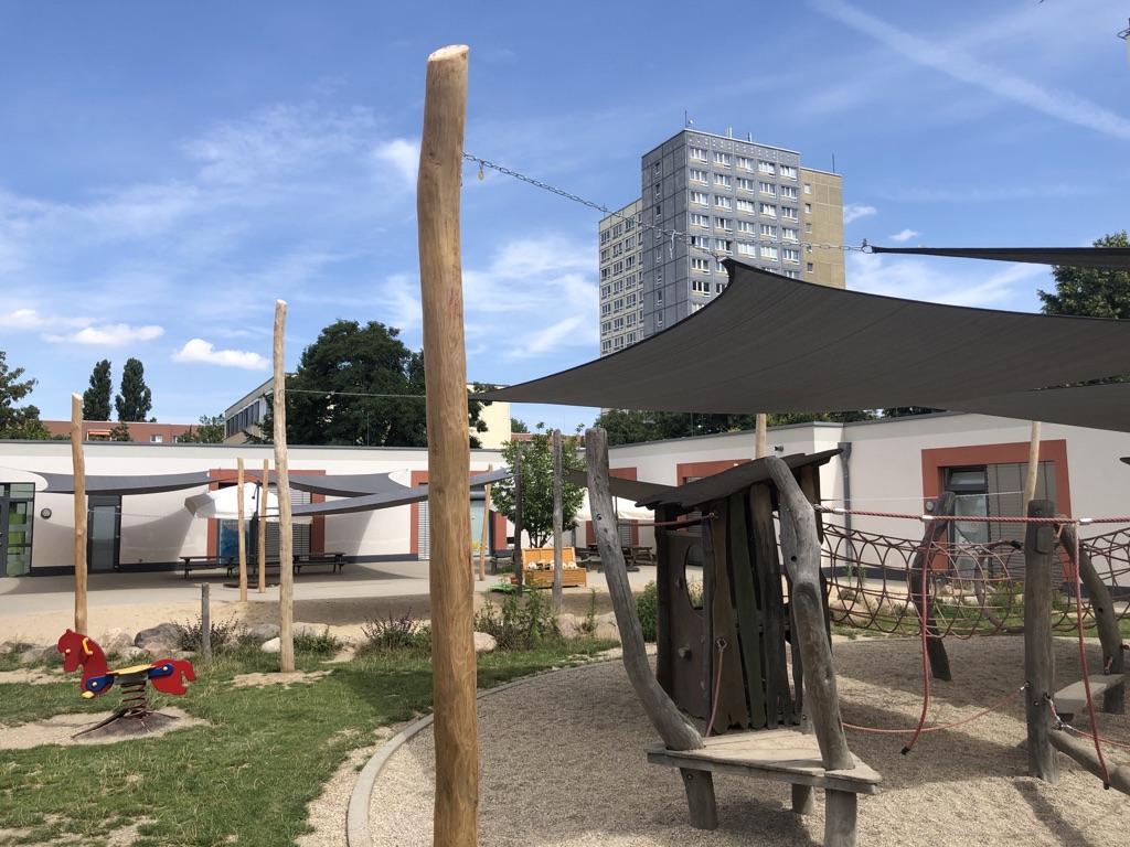 Neue Sonnensegel für die Kita Bästleinstraße